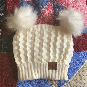 Accessories - White knit beanie with double Poms